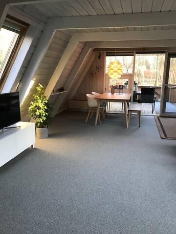 Hyggeligt hytte v. Himmerlands Spa og golf Resort