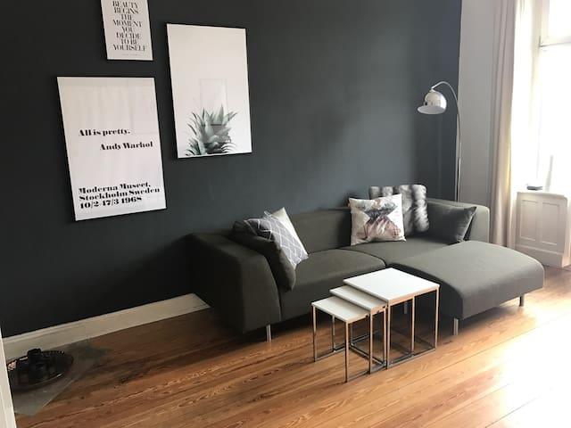 Schöne Altbau Wohnung in Barmbek - Hamburg - Apartment