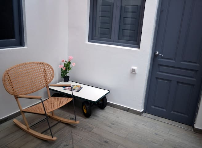 Near Canteras beach with private bath and wifi