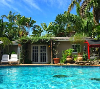 Vacation Pool Cottage - Fort Lauderdale