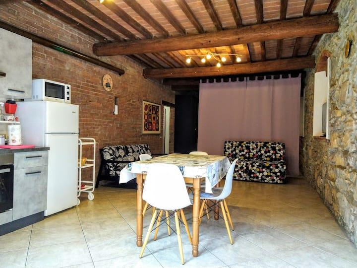 Casa Vanessa - Ampio monolocale dietro le mura