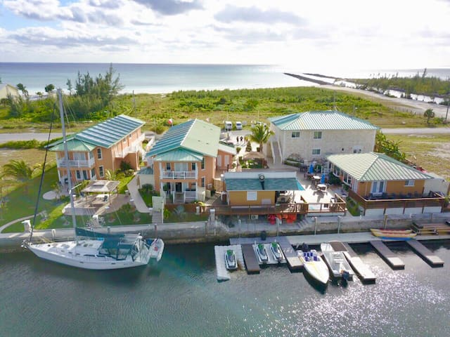 Seabreeze Vacation Villas 11