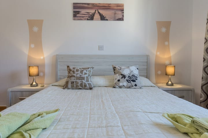 Top rated - entire 2 bedrooms apartment