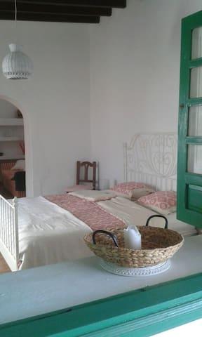 Casa Soleil ist ca.100 Jahre alt. - Tiagua - บ้าน