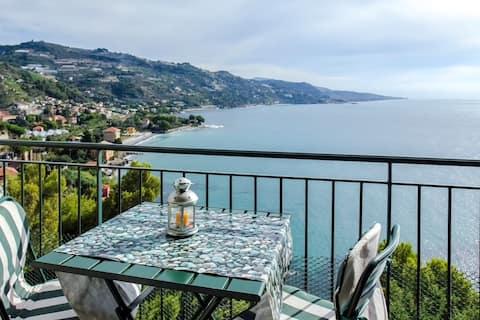Sunny apartment with sea view a Mortola Inferiore