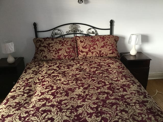 Private room with private bathroom. - Belfast - Bed & Breakfast