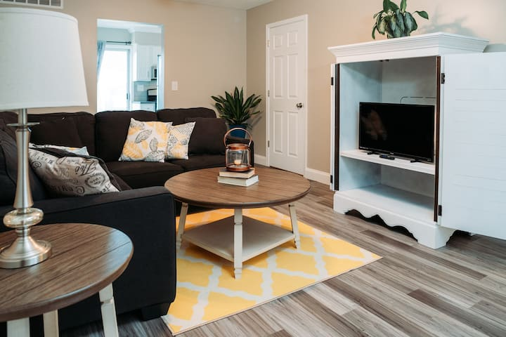 New Townhome - Long term discounts available