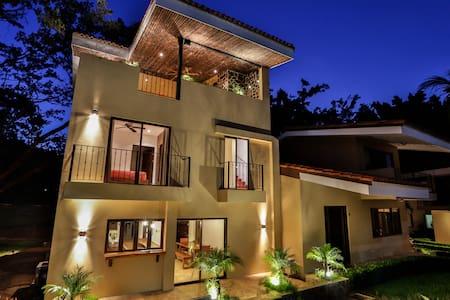 Poolside Rooftop Gardens & Paradise - Ocotal Beach - House