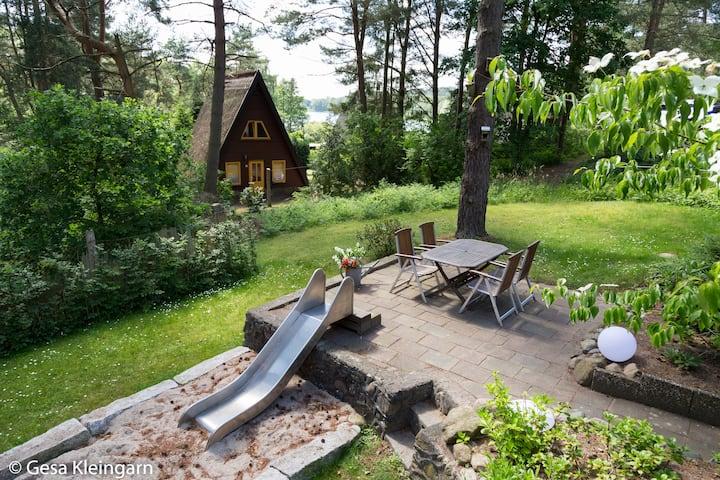Ferienhaus am See mit Kamin und WLAN, Ruhe pur!