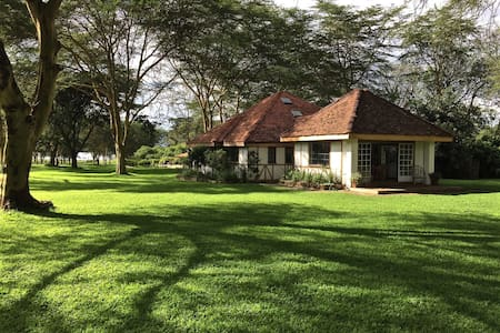 Lucita Farm Guest House One in Naivasha - Naivasha