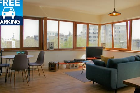 Sunny 2-room apartement. Close to Old Town.