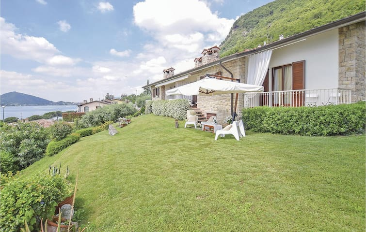 Semi-Detached with 2 bedrooms on 180m² in Sarnico -BG-