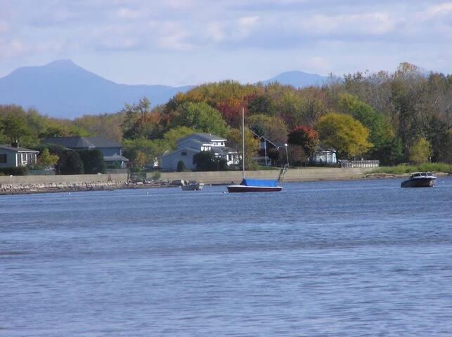 El Sueño (The Dream) on Lake Champlain