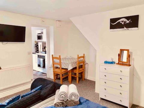 Lovely self contained studio in Chorley!