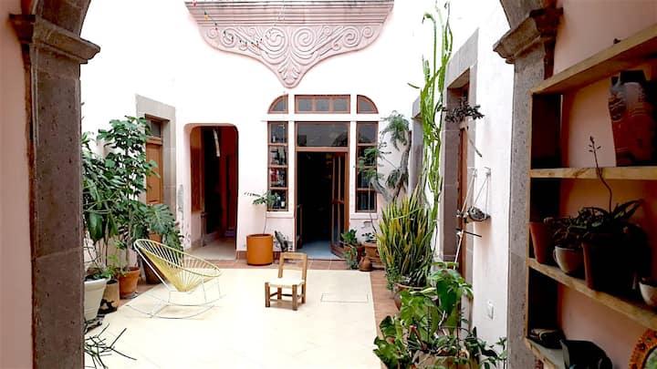 Casa 1100 in San Miguelito neighborhood