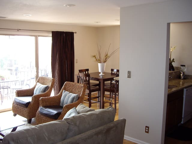Country Club Plaza Corporate Rental - Kansas City - Apartament