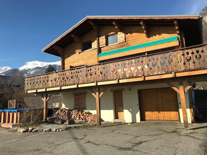 Studio avec extérieur vue sur Albé et Mont Blanc