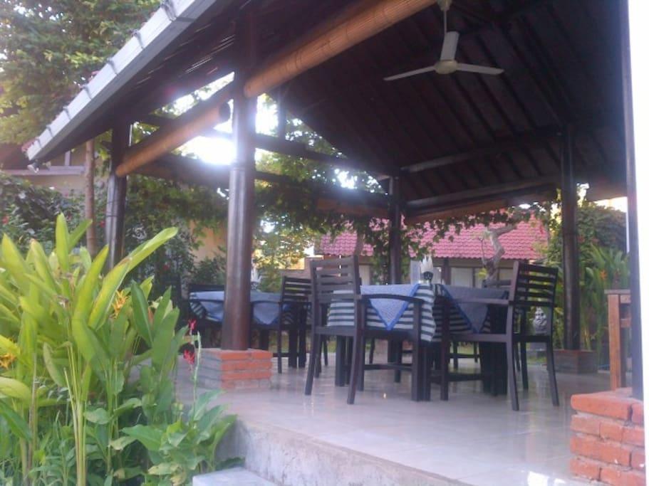 Ruang santai dan Ruang Makan
