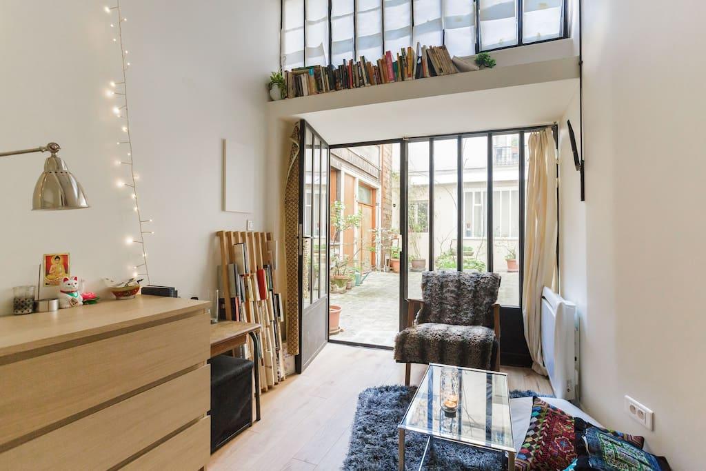 comfy little studio wohnungen zur miete in paris le de. Black Bedroom Furniture Sets. Home Design Ideas