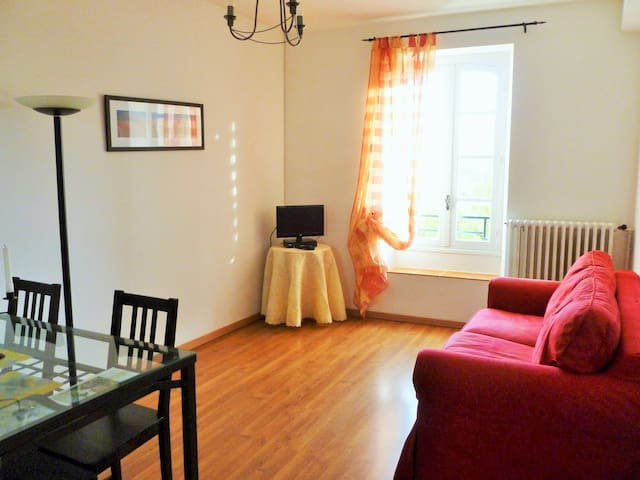 L'Appartement Rouge, WATERMILL, 2nd floor