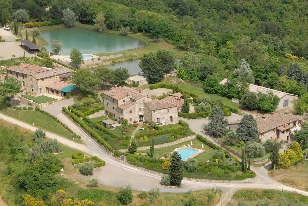 Borgo Cornia vista dall'alto.