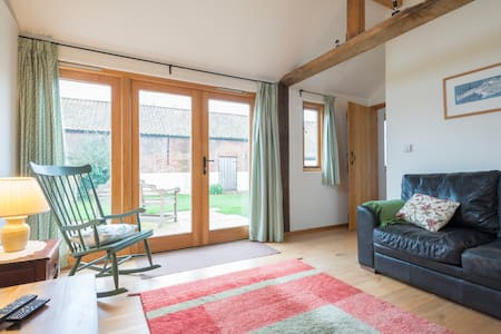 Luxury eco-cottage near Aylsham (Barn Owl) - Aylsham - Casa