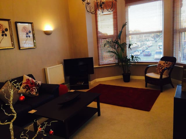 LOVELY ONE BEDROOM FLAT CLOSE TO TRAIN STATION - Southampton - Flat