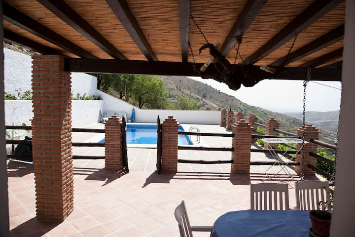 Restored winehouse with private pool - El Borge