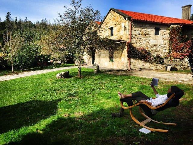 Impressive rural house in Galicia - Alende - Dům