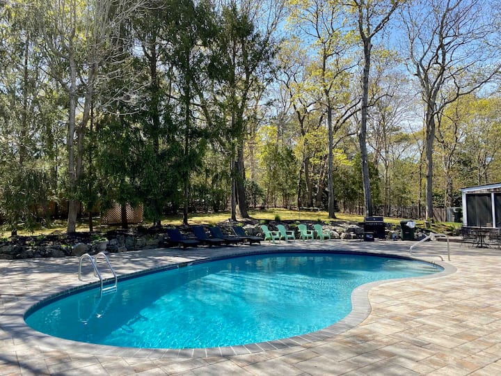 Beautiful Hampton's Home Pool/Tennis/HotTub/Sauna