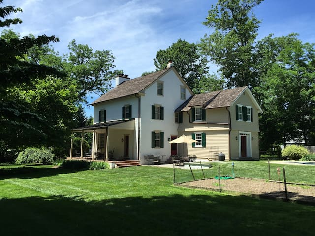 Charming Historic Pennsylvania Farmhouse and Pool