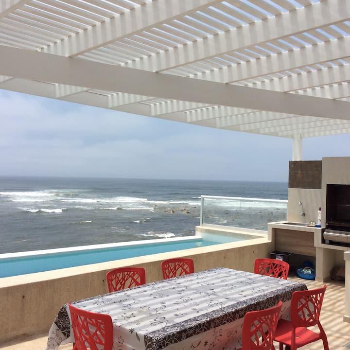Casa Frente al Mar con Piscina Punta Hermosa