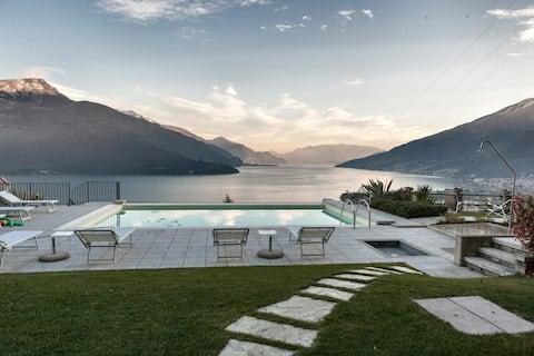 "Lake Como -  Apart. ""Amicizia"""