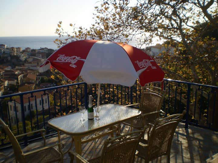 Cozy Plomari Cottage   -    A home away from HOME