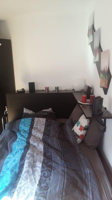 Wohn-/ Schlafzimmer