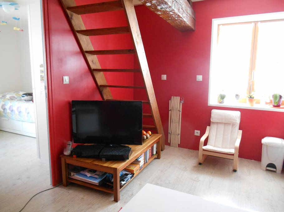 escaliers montant à la 2ème chambre