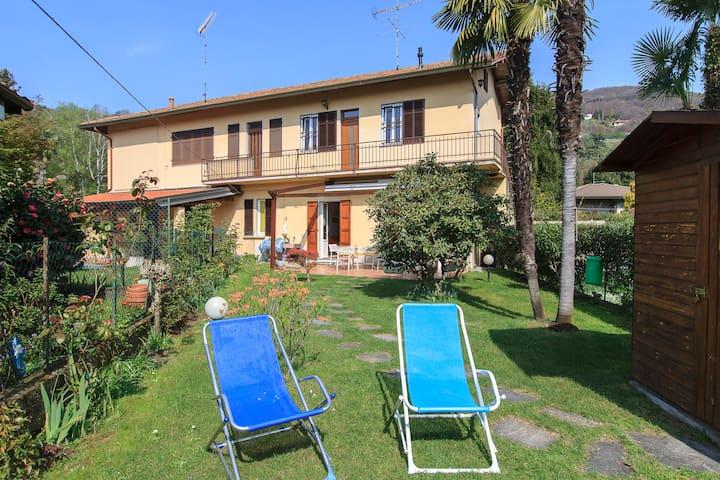 cozy flat at Maggiore lake - Lesa - Appartement