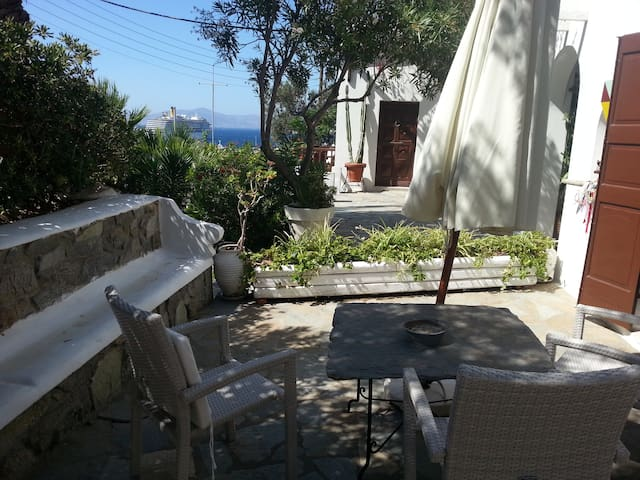 studio with sea view (2 adults ) 111 in the town - Míkonos - House