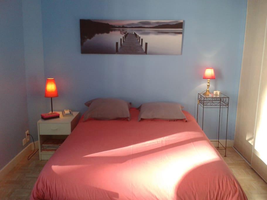 chambre et breakfast 5 39 de la croisette chambres d 39 h tes louer cannes provence alpes. Black Bedroom Furniture Sets. Home Design Ideas