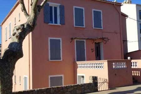 Appartement moderne dans maison familiale - Calvi