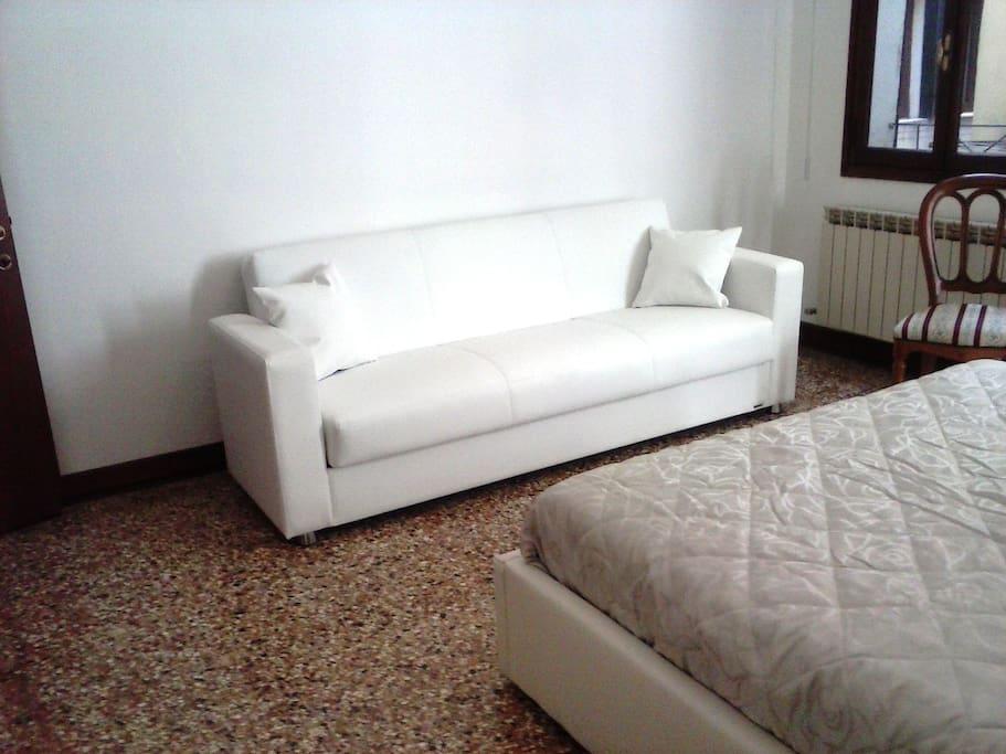 camera matrimoniale/tripla - divano letto singolo