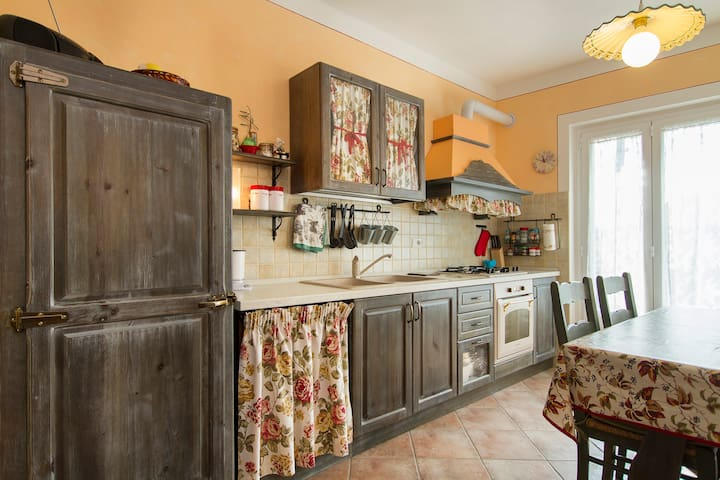 cucina . kitchen