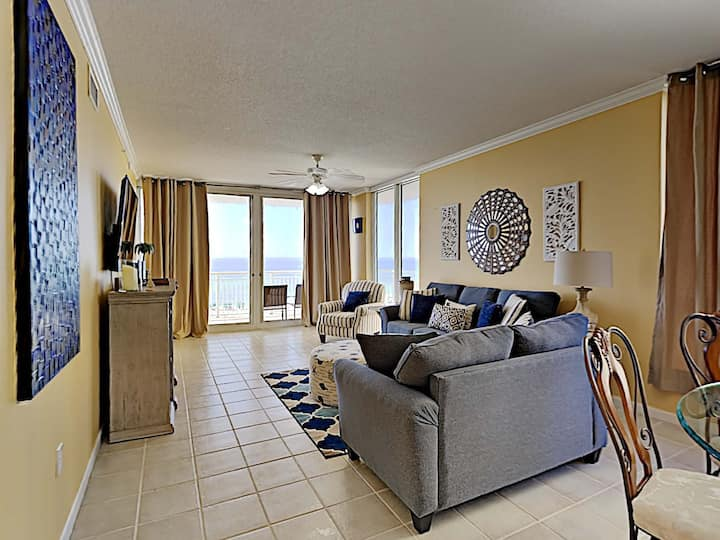 Navarre Beach Condo. Unblocked Beach Views. Community Pool