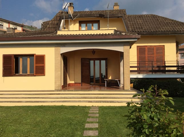 B&B Villa Nia camera n 2 relax totale - Palestrina - Bed & Breakfast