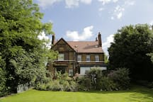 A back view of Blenheim Lodge