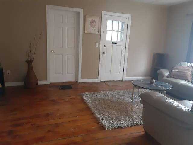 Private 2BR on Broadway BETA Test