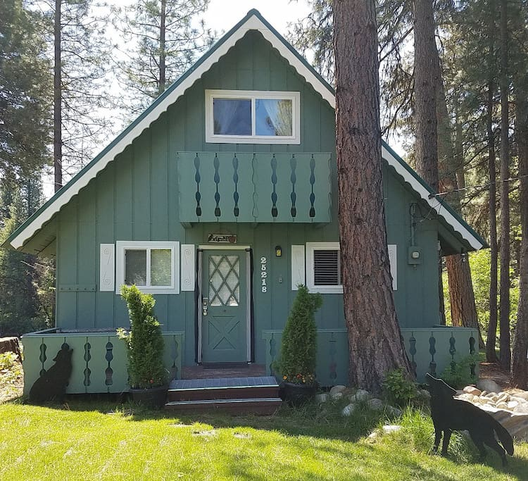 Wolf Cabin On Beautiful Wenatchee River Cabins For Rent
