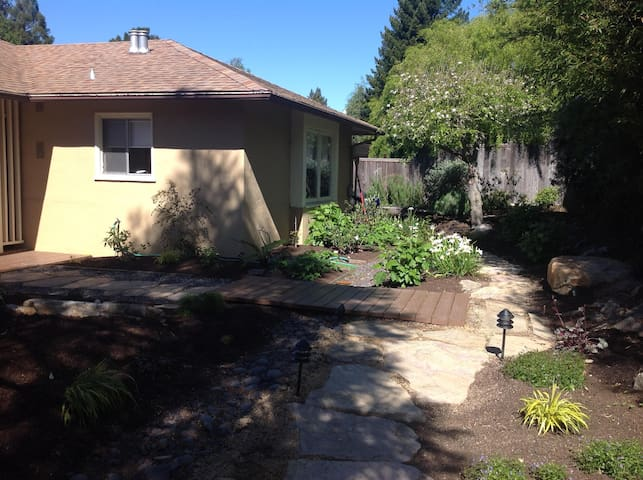 Serene in N Berkeley Hills - Kensington - Casa
