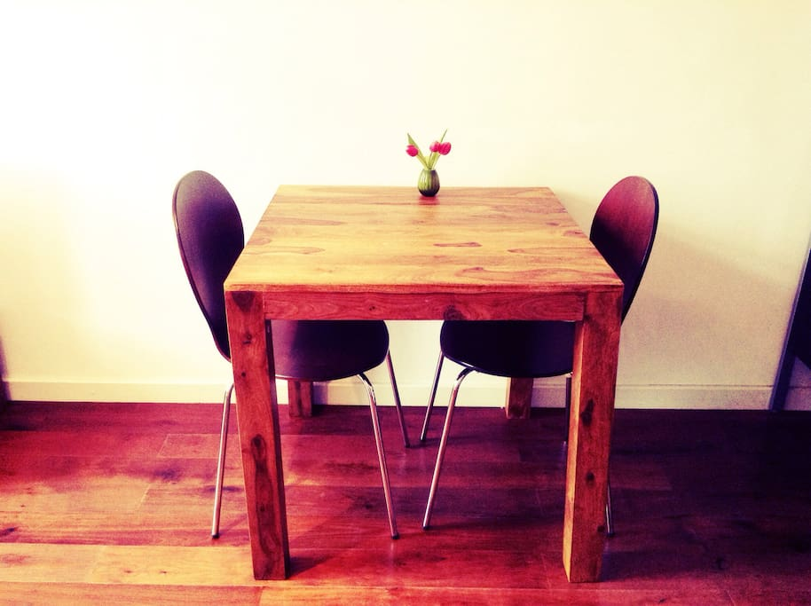 small and fine wooden dining table and chairs ( we provide 2-4chairs according to the number of guests)