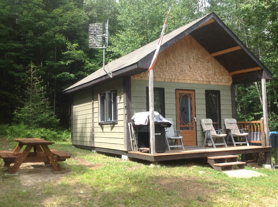 Le Calumet Rustic Off Grid Cabin Chalets For Rent In